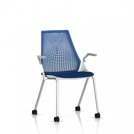 Sayl Side Chair Herman Miller Chrome / 4 Pieds - Roulettes  / Dossier Suspension Berry Blue / Assise Tissu Scuba