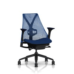 Fauteuil Sayl Herman Miller Noir / Dossier Suspension Berry Blue / Assise Scuba