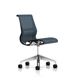 Siege Setu Herman Miller Alu Semi Poli / Structure Graphite / Lyris Berry Blue