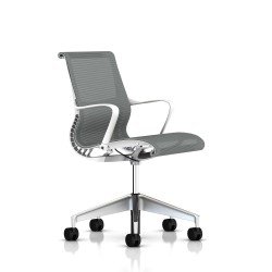 Fauteuil Setu Herman Miller alu Semi Poli / Structure Studio White / Lyris Alpine